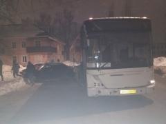 ДТП ВАЗ 2114 и автобус на перекрёстке улиц социалистической и химиков (5)